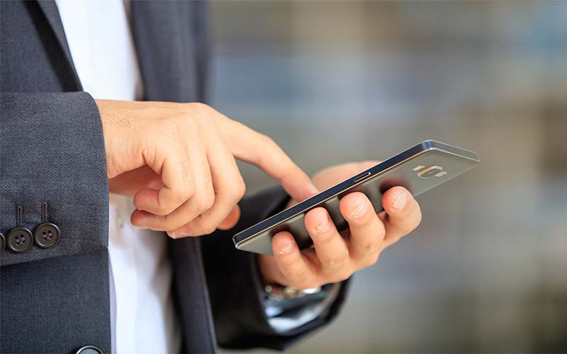 How to Overcome Call Reluctance & Pick Up the Phone